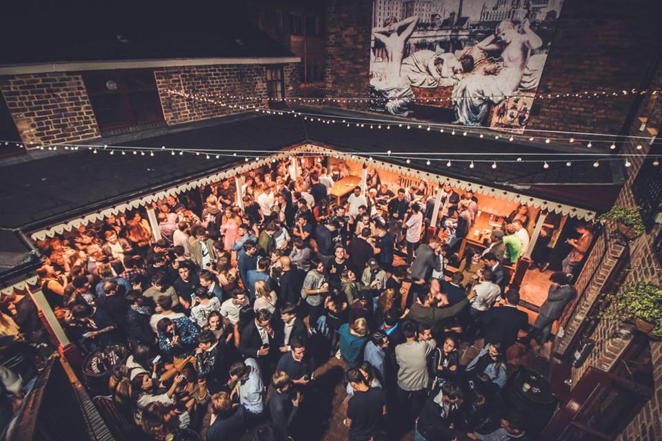 young-people-crowded-in-outdoor-club-heebie-jeebies-liverpool