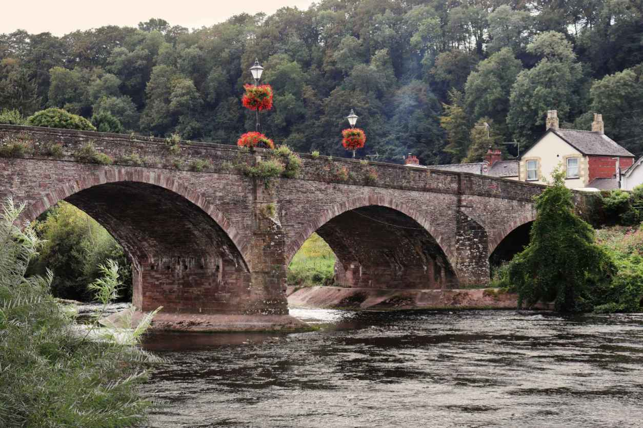 bridge-over-the-river-usk-in-usk-monmouthshire