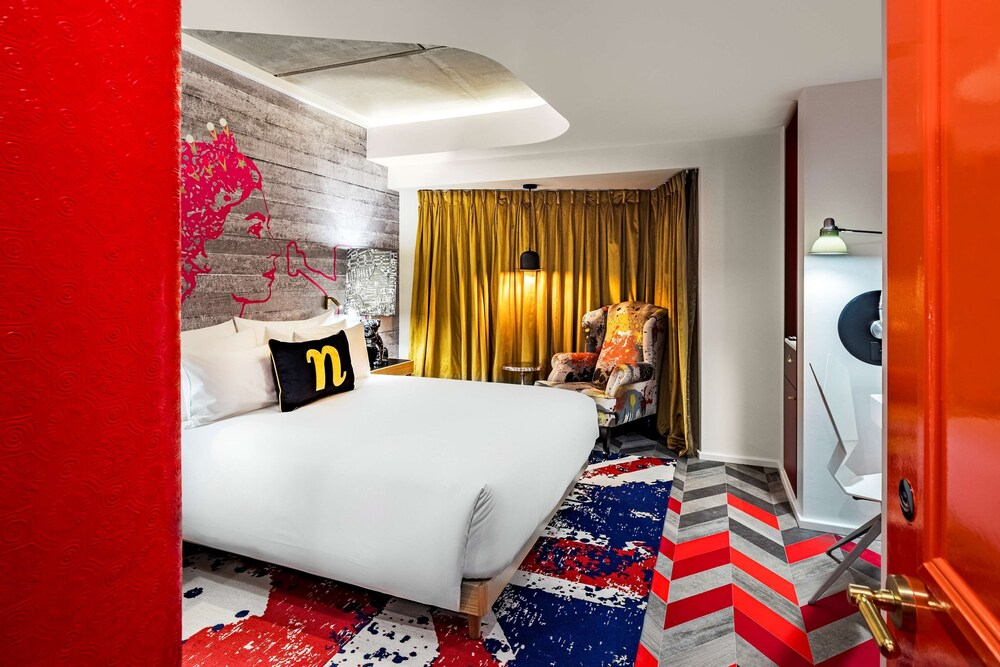 british-themed-hotel-room-at-nhow-london-quirky-london-hotels