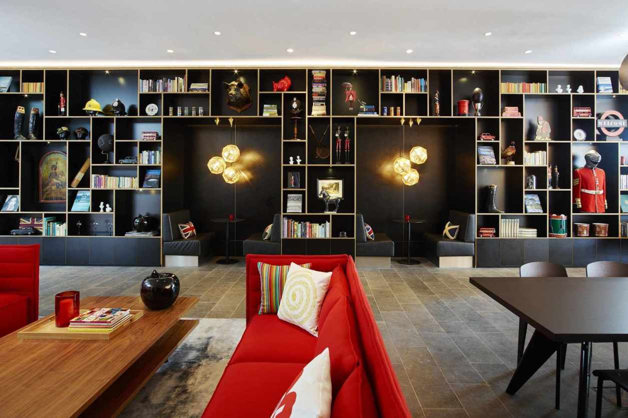 citizen-m-lounge-with-sofas-and-table-quirky-london-hotels