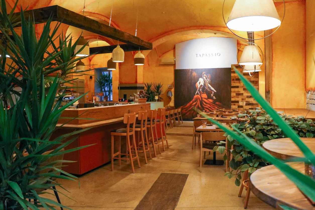cosy-interior-of-yellow-spanish-tapas-tapassio-restaurant