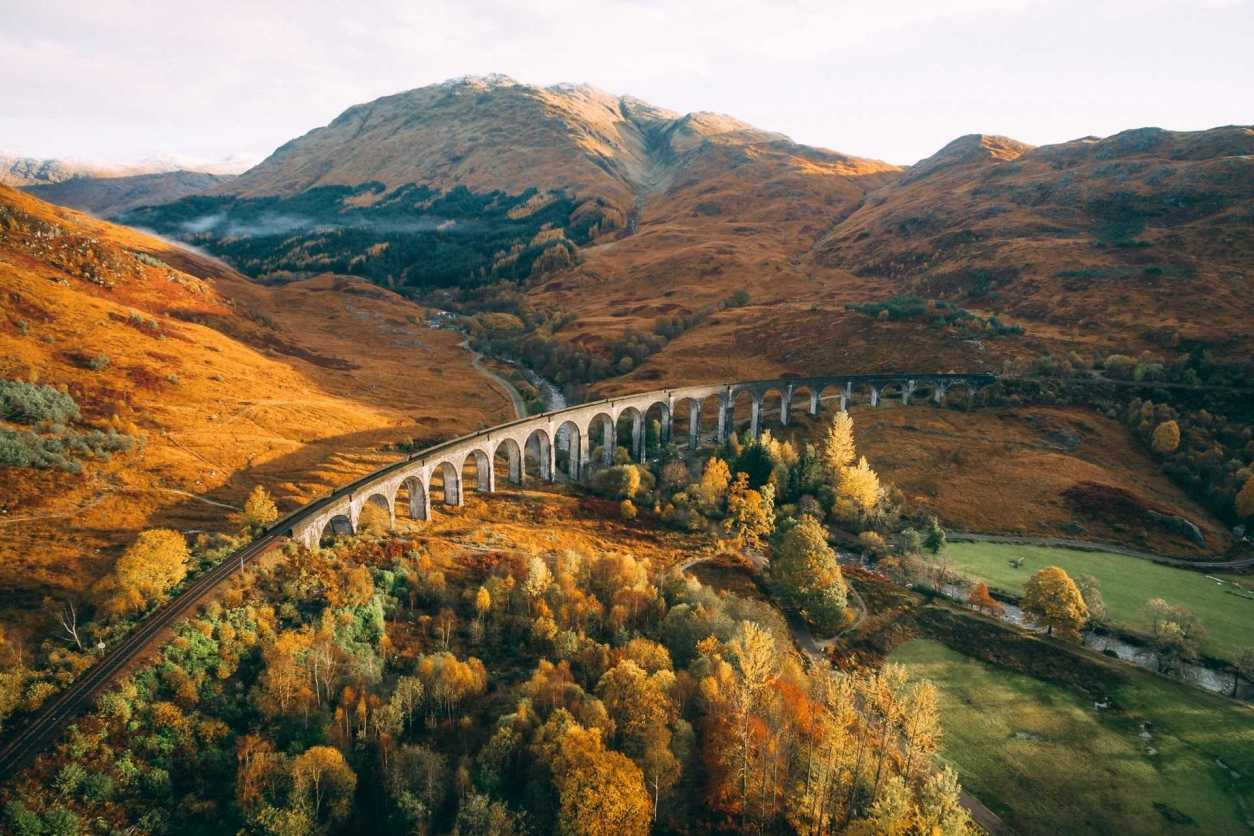 glenfinnan-viaduct-in-fort-william-in-autumn-day-trips-from-glasgow