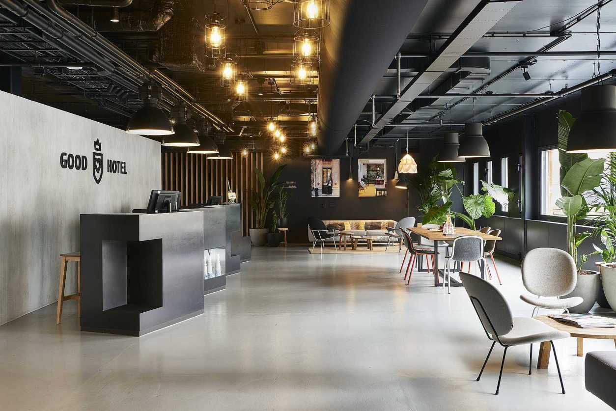 good-hotel-lobby-and-lounge-with-plants-quirky-london-hotels