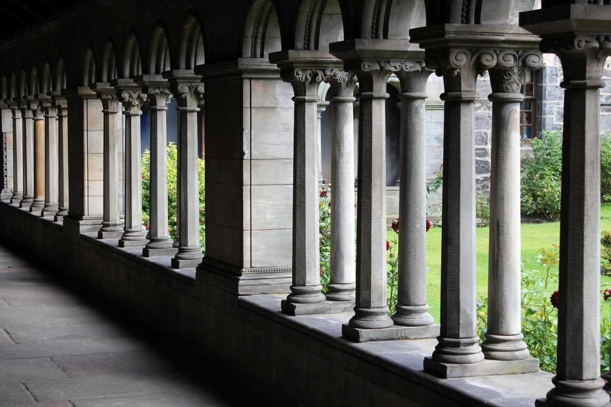 historic-cloisters-of-gothic-monastery-at-paisley-abbey