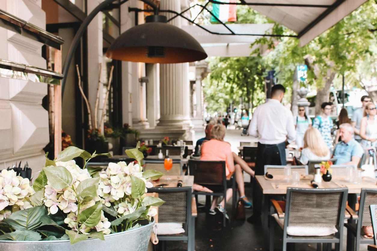 outdoor-restaurant-cafe-in-european-city-bistro-fine