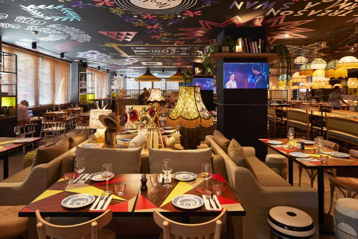 quirky-patterned-mama-shelter-restaurant