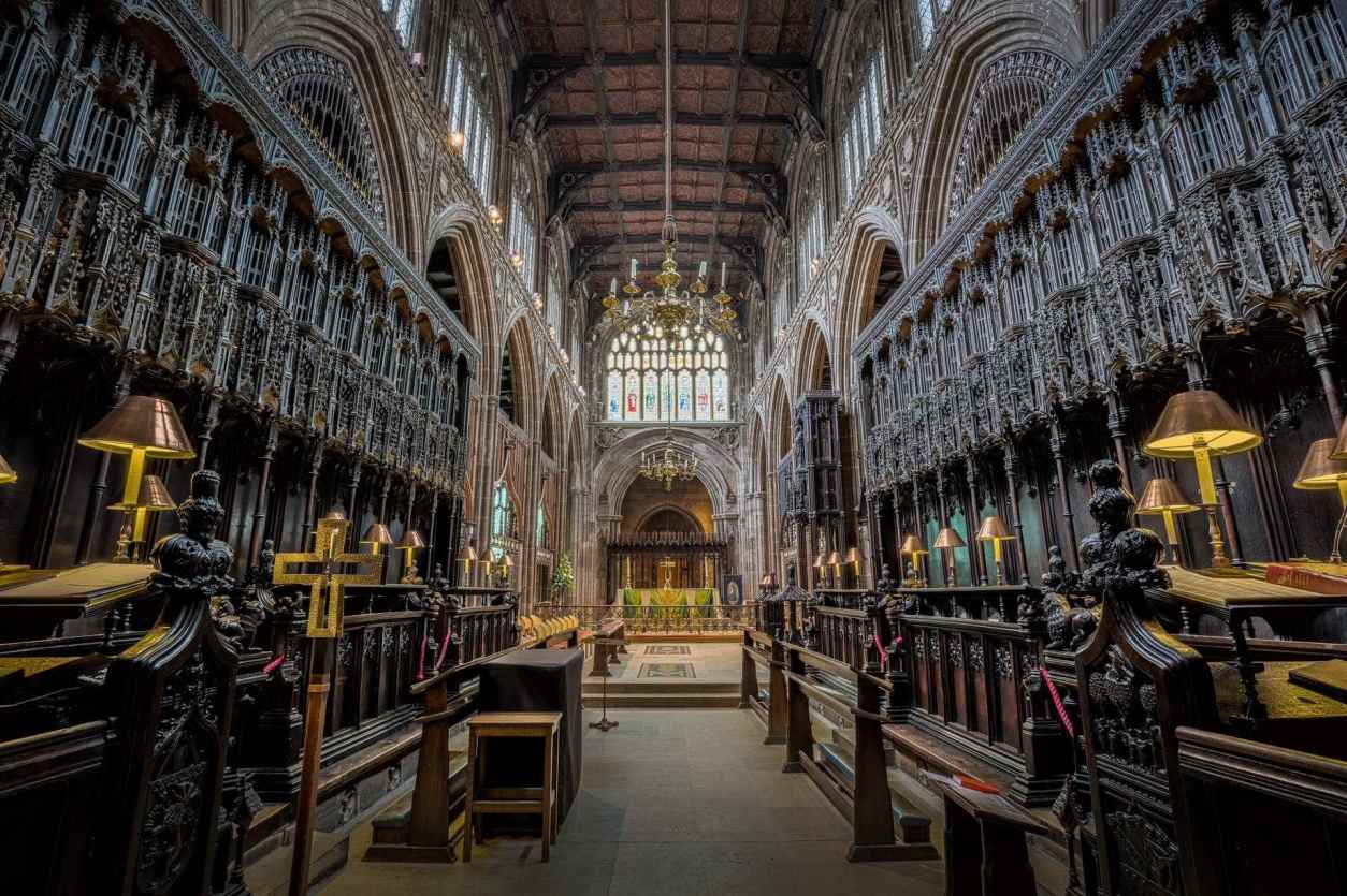 choir-area-of-manchester-cathedral