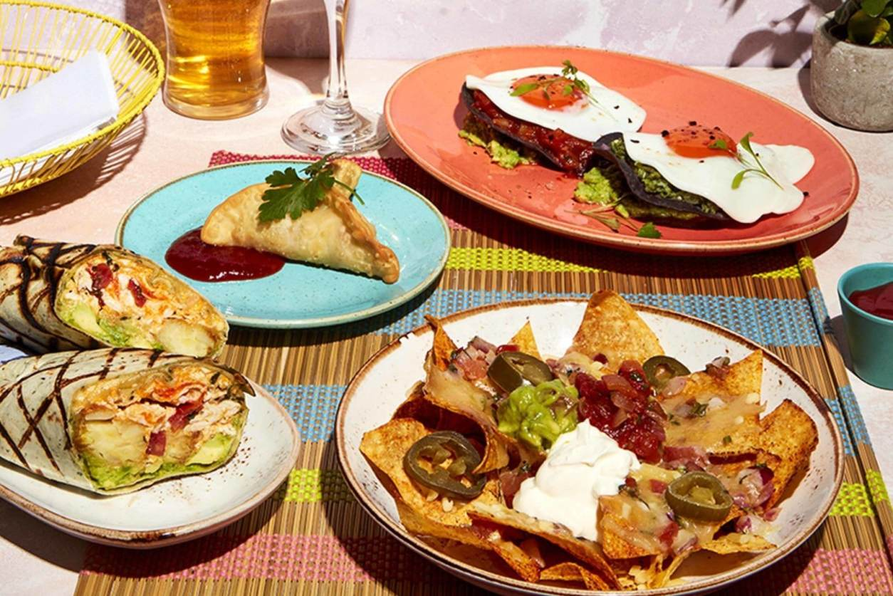 colourful-brunch-plates-at-las-iguanas