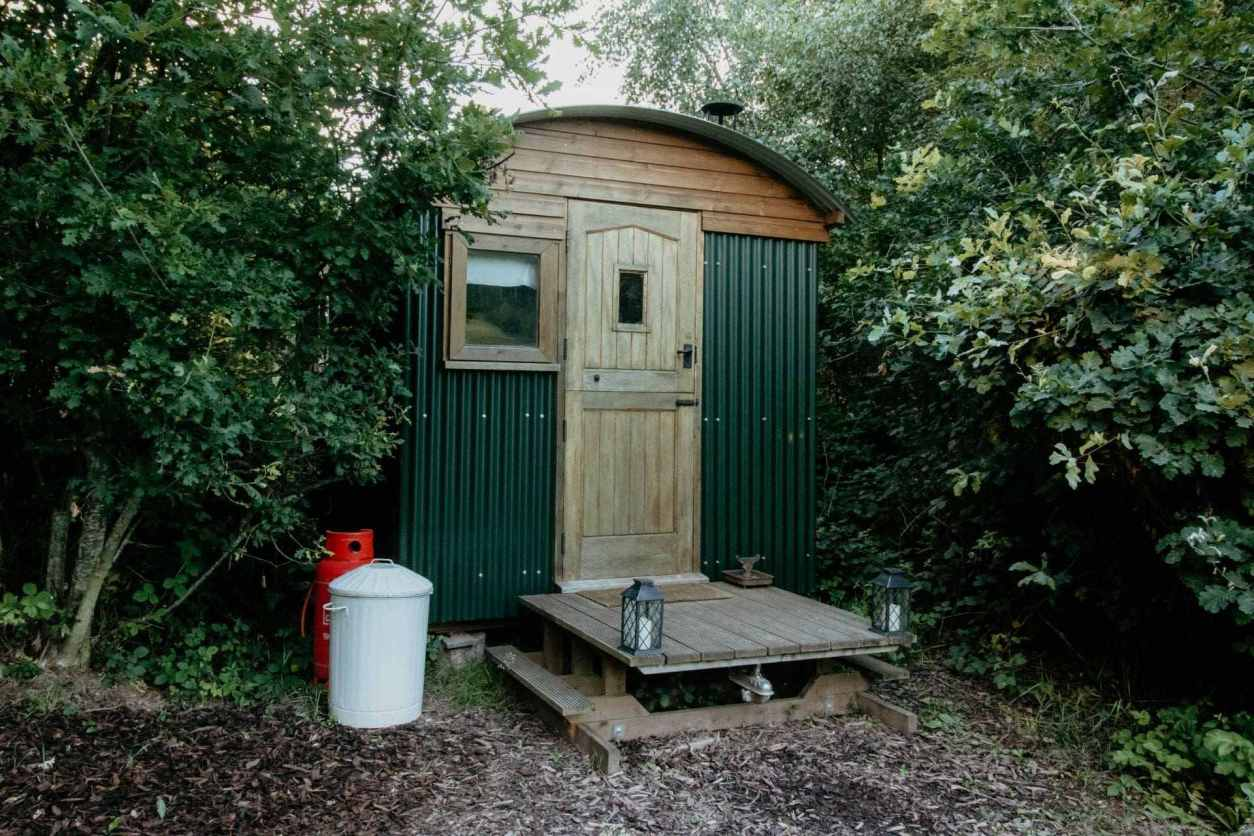 the-rooks-tower-treehouse-on-top-of-hill-at-the-rookery-woods-glamping-herefordshire