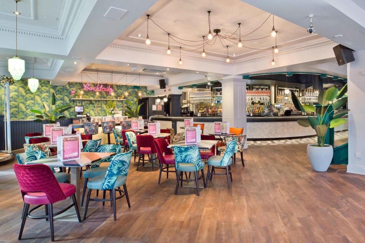slug-and-lettuce-bar-and-restaurant-bottomless-brunch-southampton