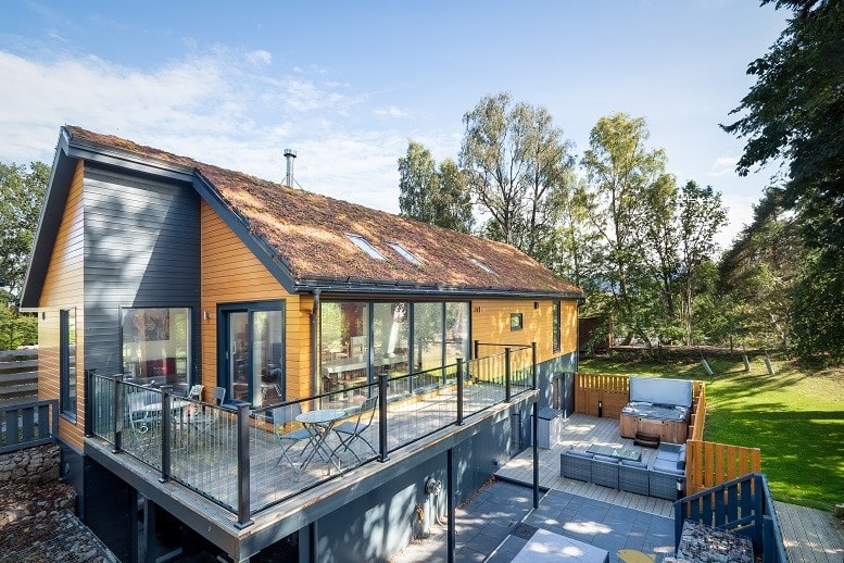 the-neuk-cabin-with-decking-and-patio