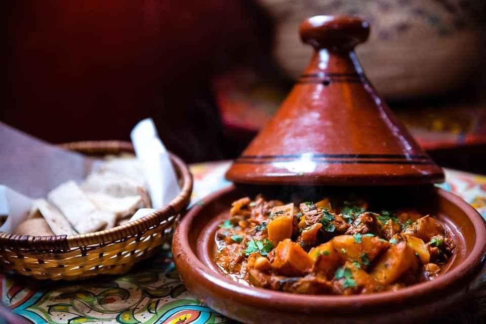 bowls-of-moroccan-food-at-oranaise-café
