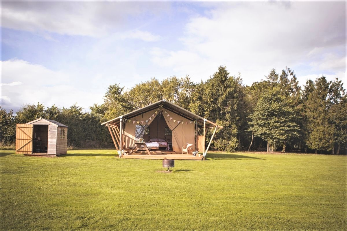 canvas-and-clover-safari-tent-in-field