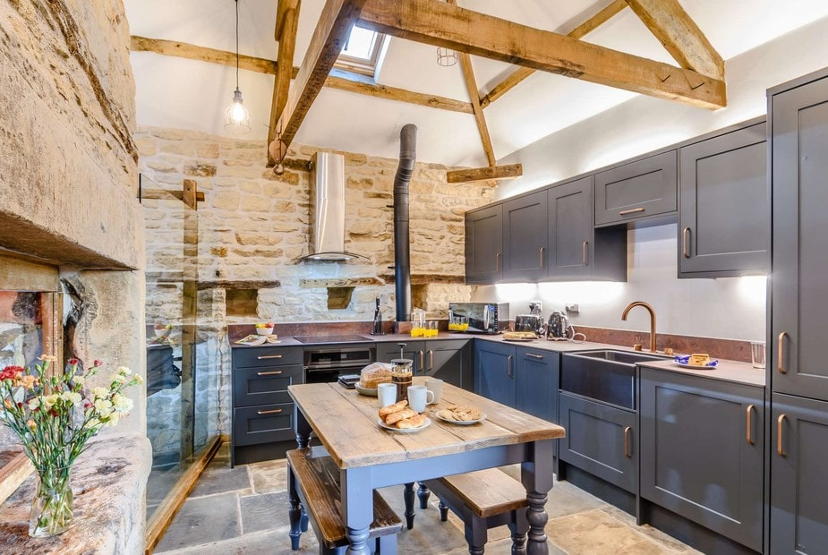 country-style-kitchen-with-beams-in-hexham-barn