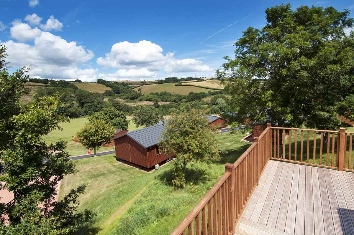 decking-of-devon-hills-lodge-overlooking-countryside-lodges-with-hot-tubs-devon