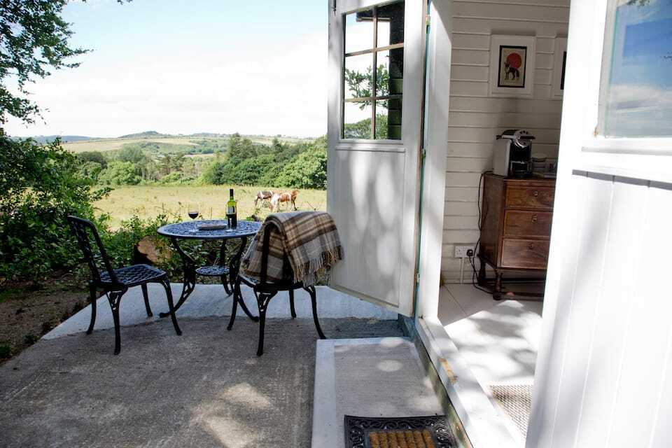 decking-outside-white-dunbrody-cabin-glamping-wexford