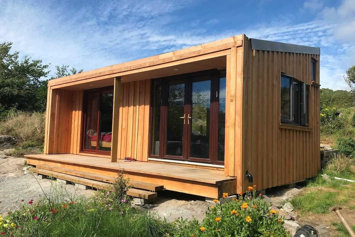 goleen-harbour-eco-cabin-with-small-decking