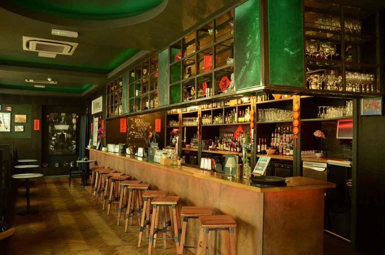 green-and-brown-bar-at-chamber-36