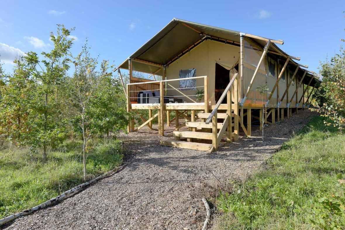 path-leading-to-stone-farm-rural-escapes-safari-tent
