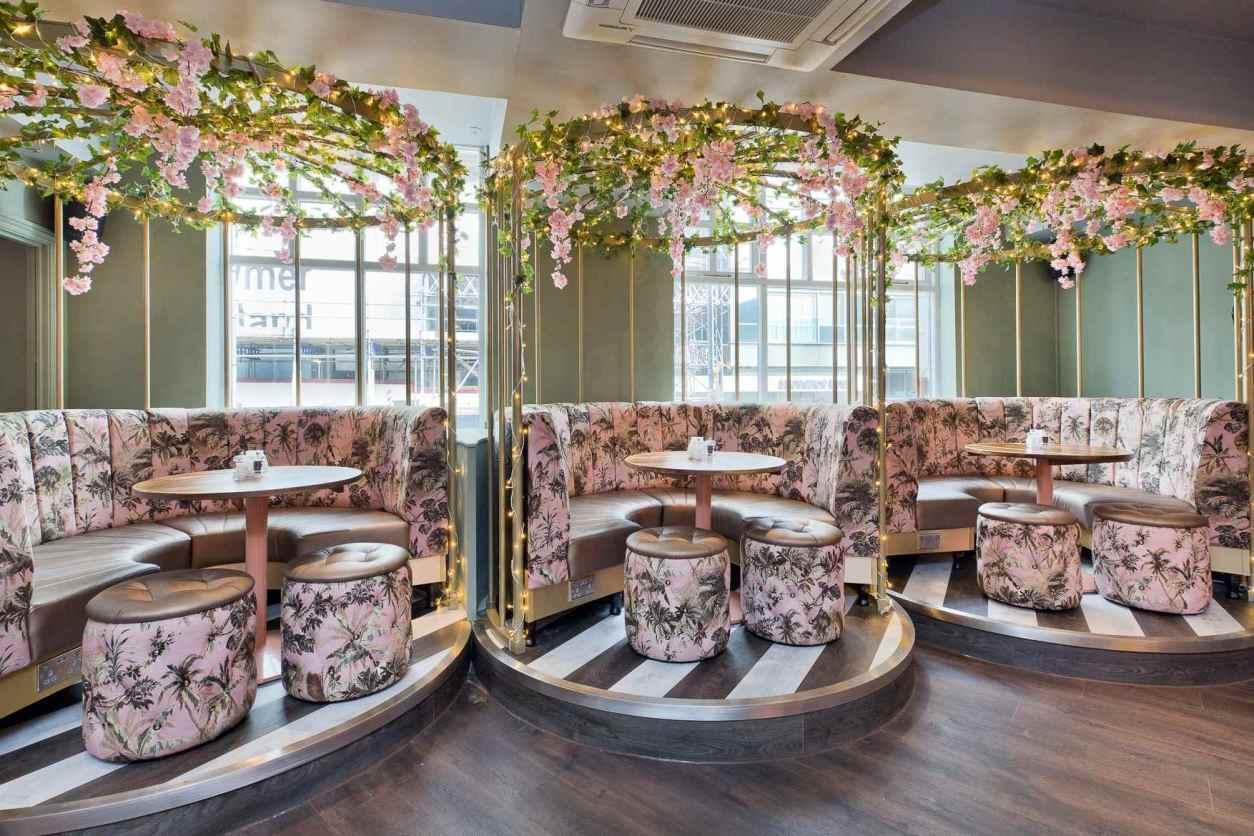 pink-restaurant-booths-at-slug-and-lettuce-bottomless-brunch-sheffield