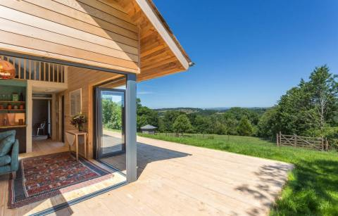 side-view-of-the-nap-cabin-overlooking-the-taw-valley-lodges-with-hot-tubs-devon