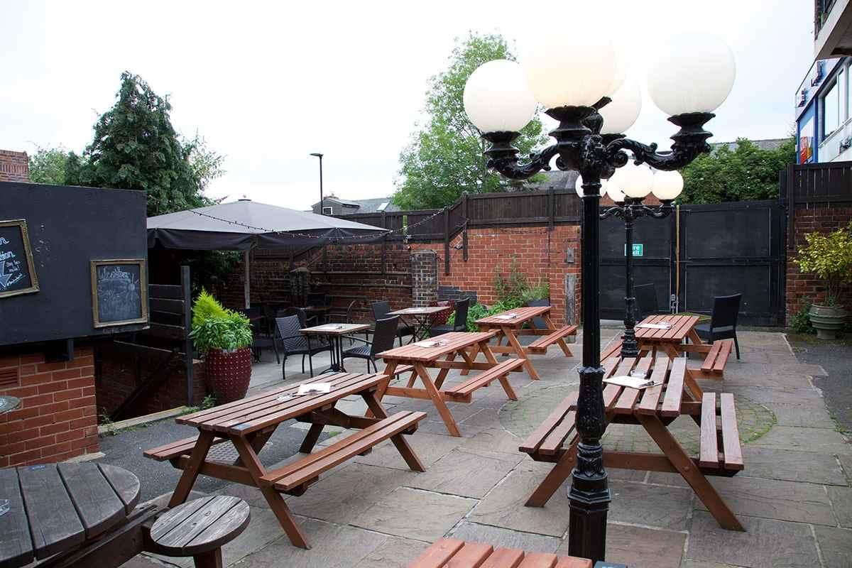 the-lescar-hunter-bar-beer-garden-on-cloudy-day