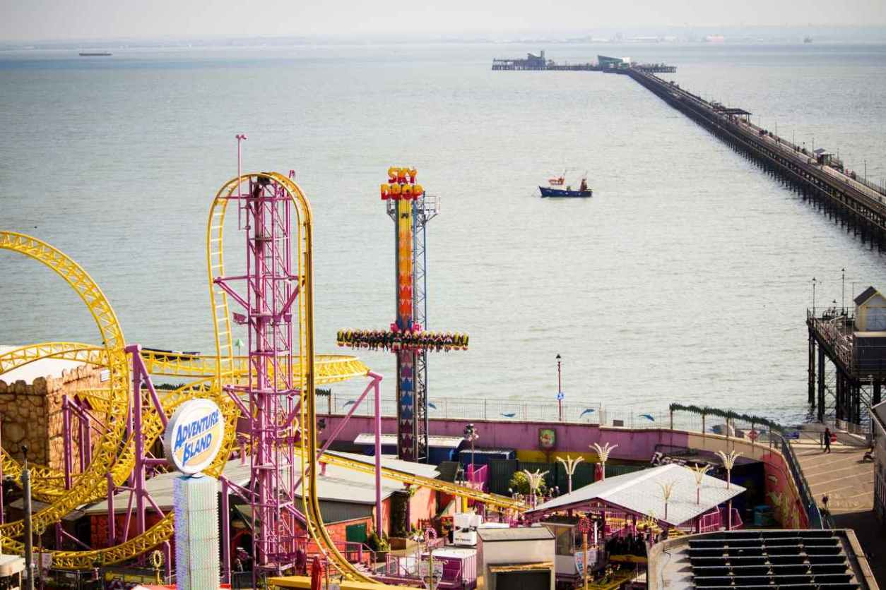 fairground-rides-and-pier-at-southend-on-sea