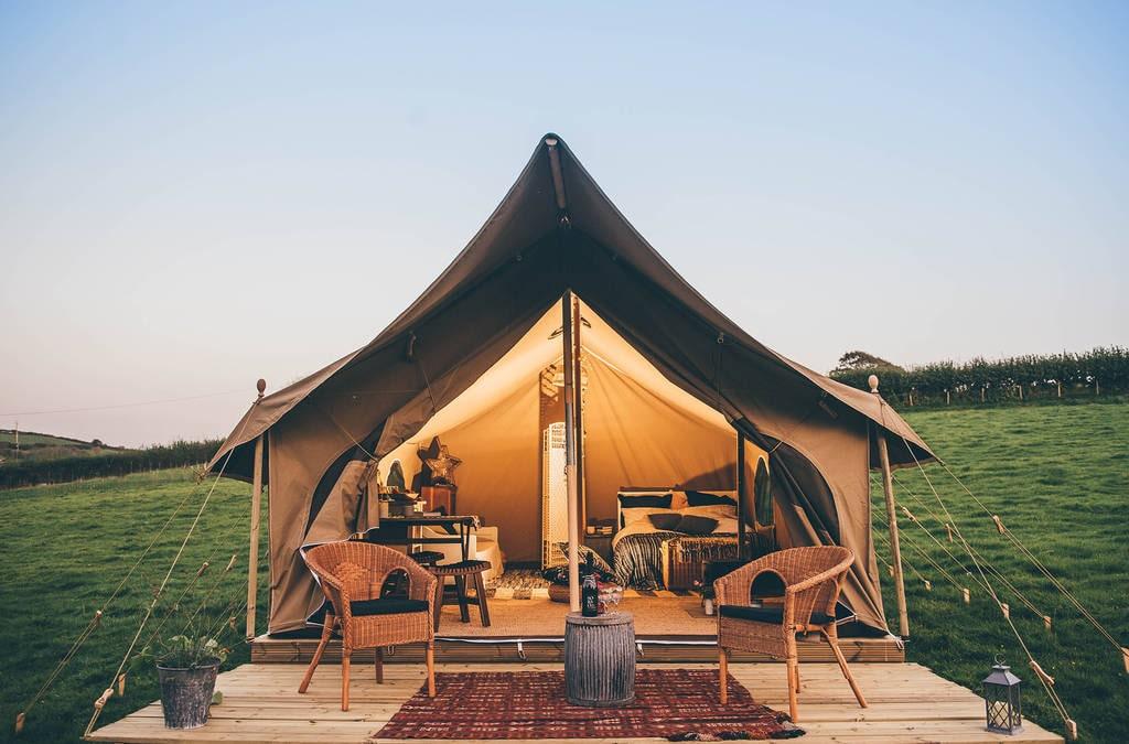 pili-pala-bell-tent-at-nantseren-glamping-lit-up-at-sunset-glamping-south-wales