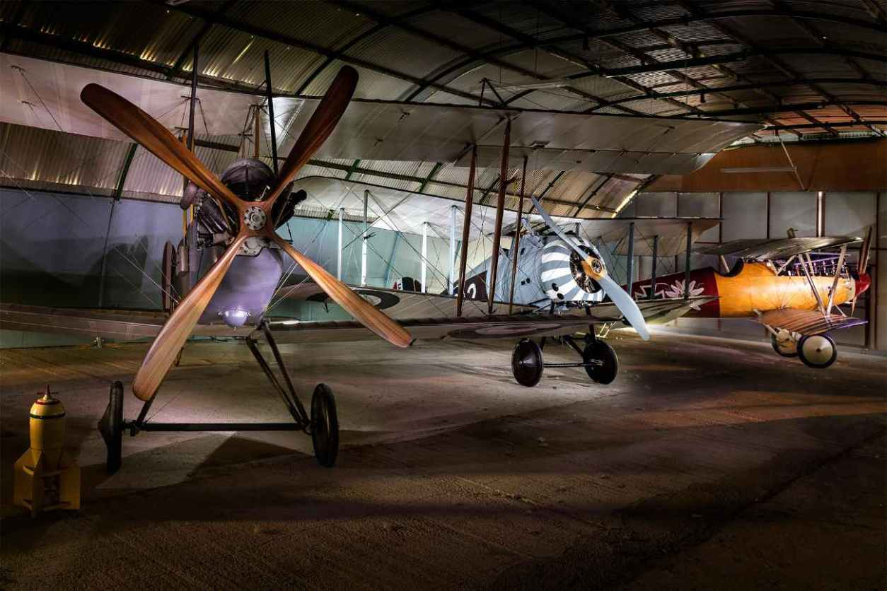planes-inside-stow-maries-great-war-aerodrome