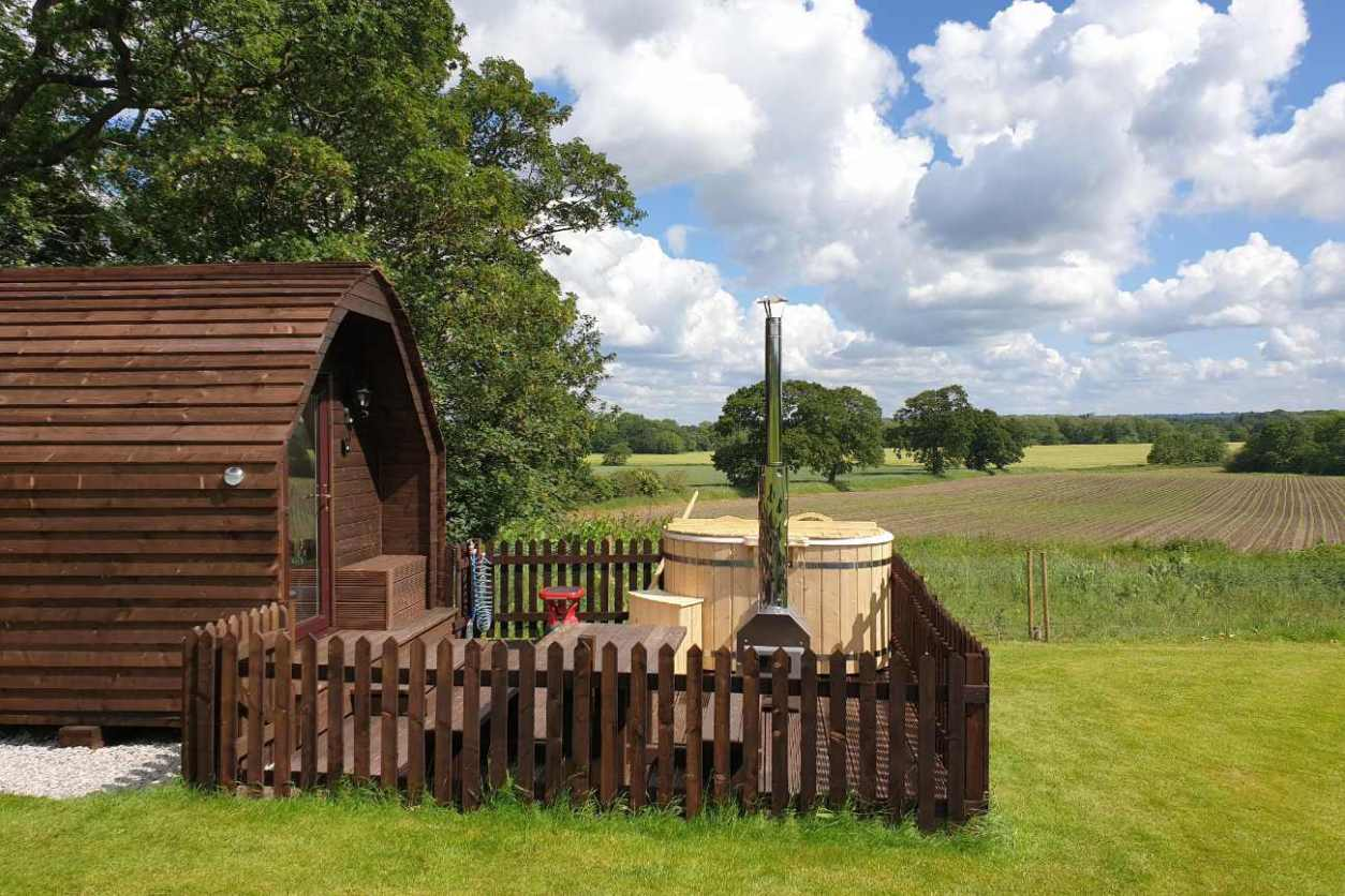 badger-pod-with-wood-fired-hot-tub-at-welltrough-hall-farm-glamping-cheshire