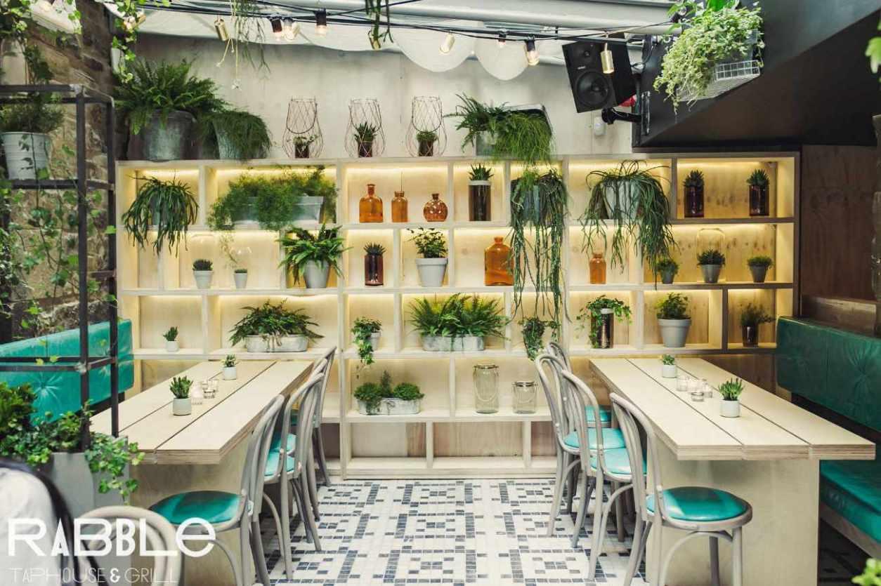 restaurant-tables-inside-rabble-taphouse-and-grill-best-brunch-in-edinburgh