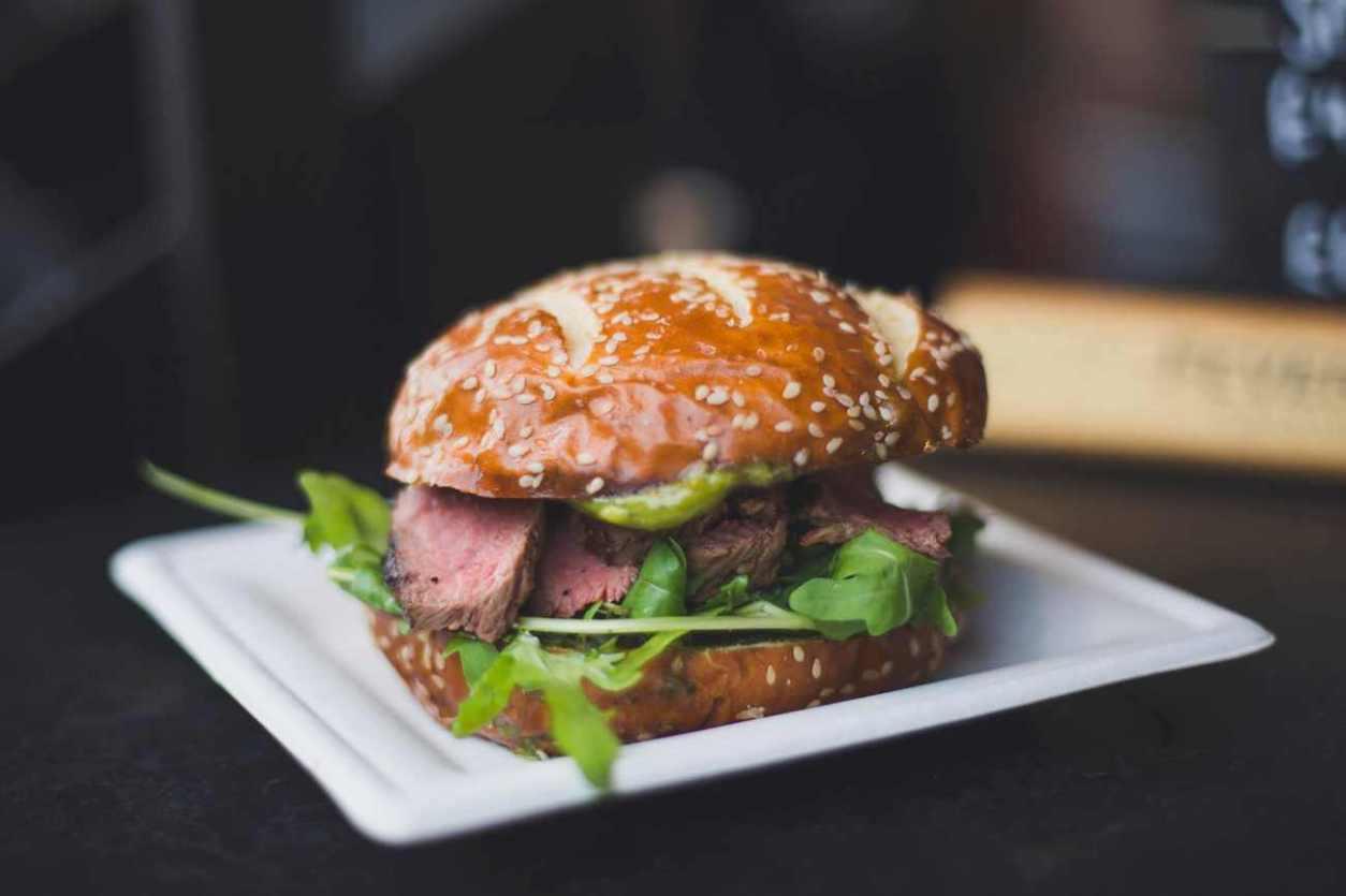 solita-bar-and-grill-steak-burger