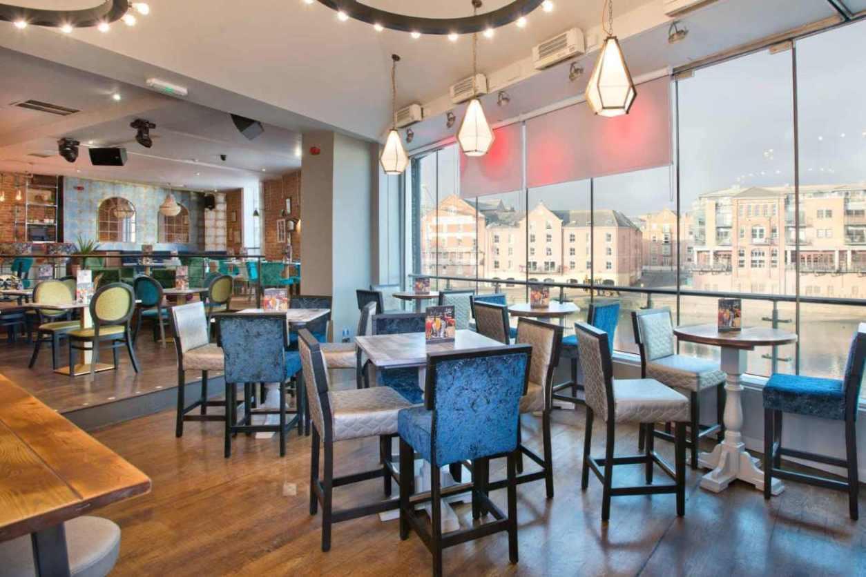 tables-inside-slug-and-lettuce-by-river-bottomless-brunch-york