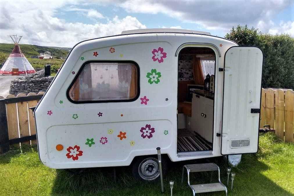 white-mini-vintage-caravan-at-doolin-glamping
