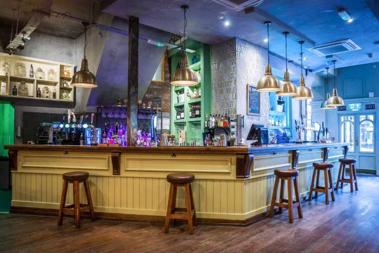 bar-stools-at-bar-of-the-philharmonic