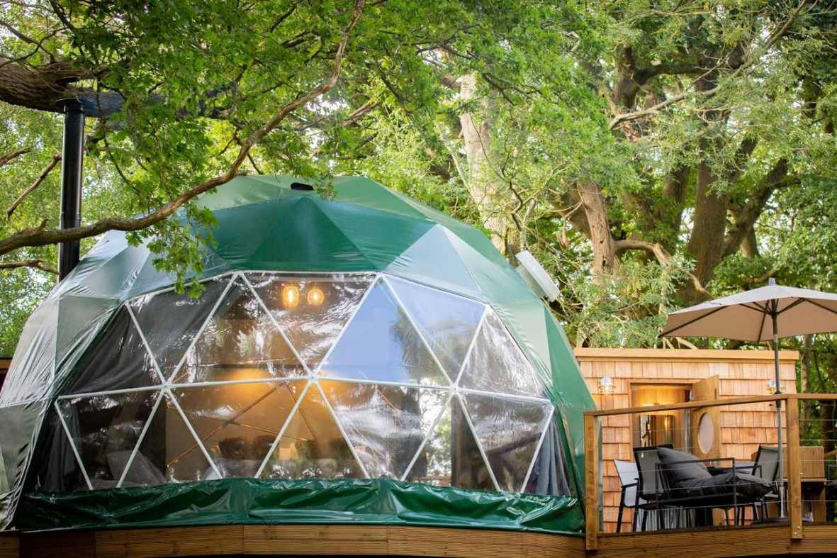 exterior-of-green-luna-domes-geodome-in-woodland-glamping-kent
