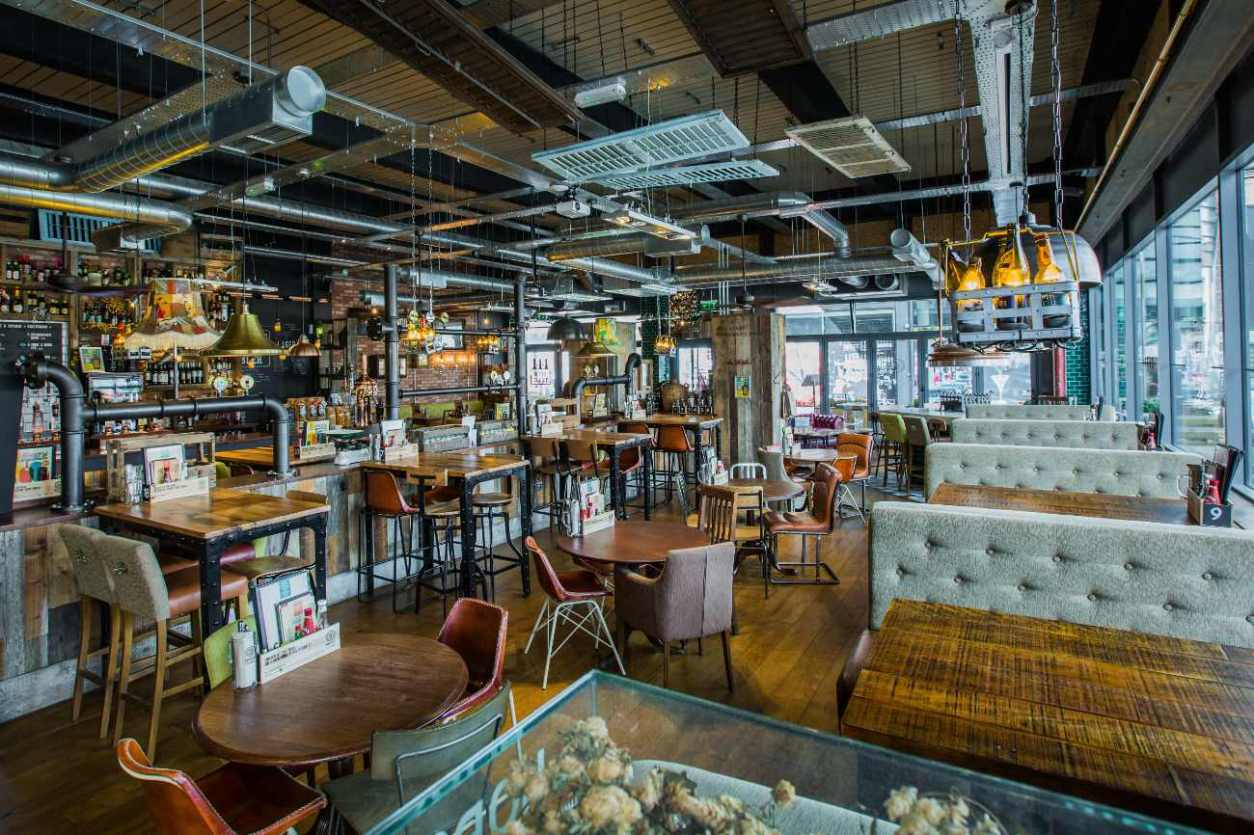 interior-of-brewhouse-and-kitchen-restaurant-with-tables-bottomless-brunch-cheltenham