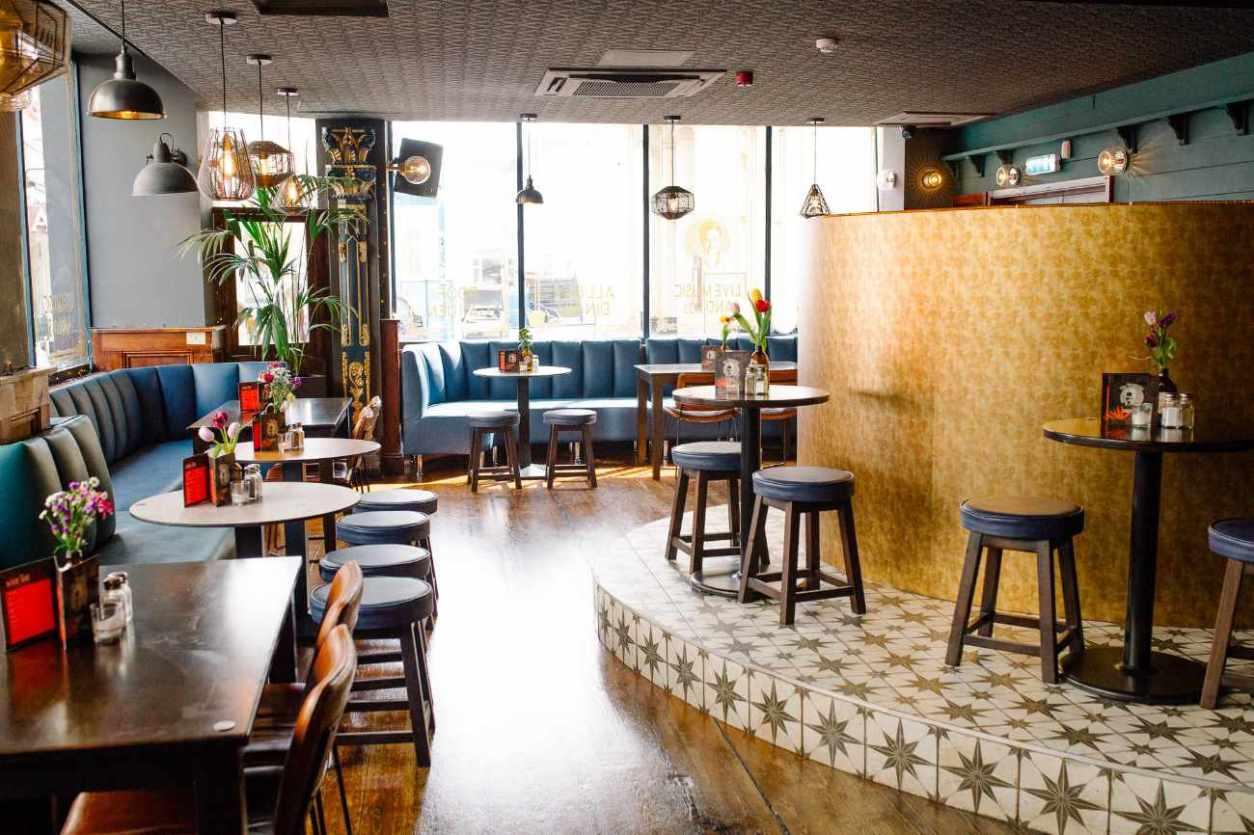 restaurant-tables-inside-the-mesmerist-bottomless-brunch-brighton