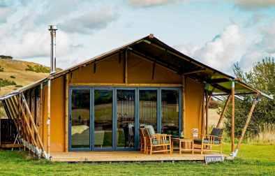 wheatfields-luxury-safari-tent-in-field-glamping-kent