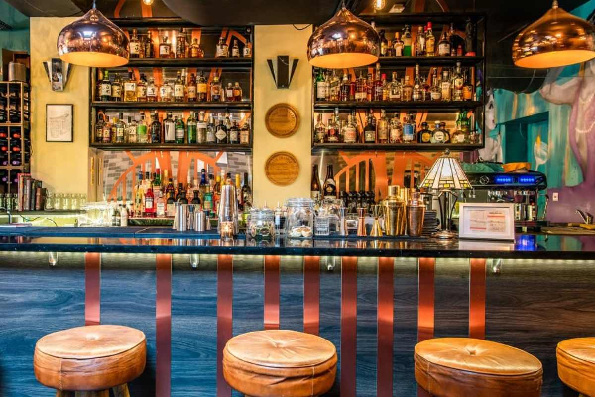 bar-in-issho-ni-bottomless-brunch-east-london