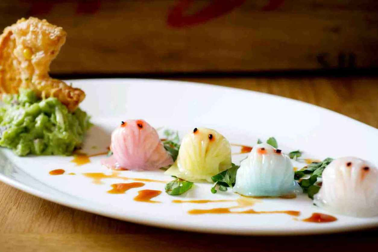 chinese-food-on-plate-at-redfarm-restaurant