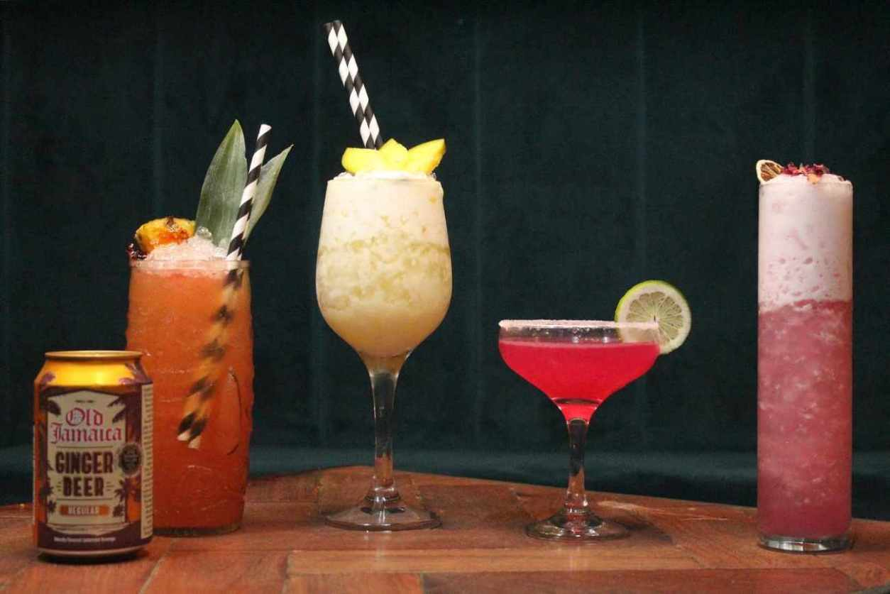 cocktails-at-the-wick-at-both-ends-best-bars-sheffield