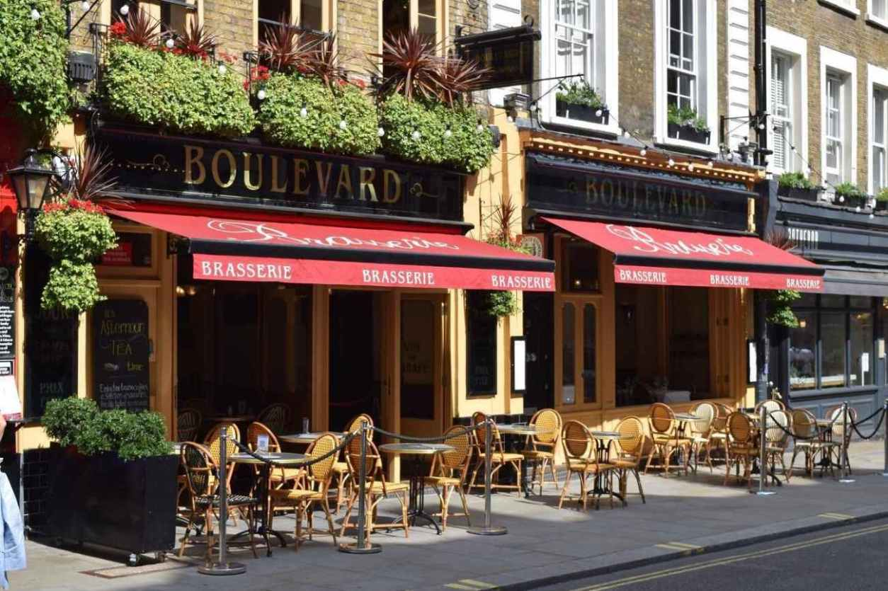 exterior-of-boulevard-brasserie-with-outdoor-seating