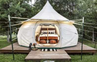 exterior-of-green-acres-yurt-glamping-texas