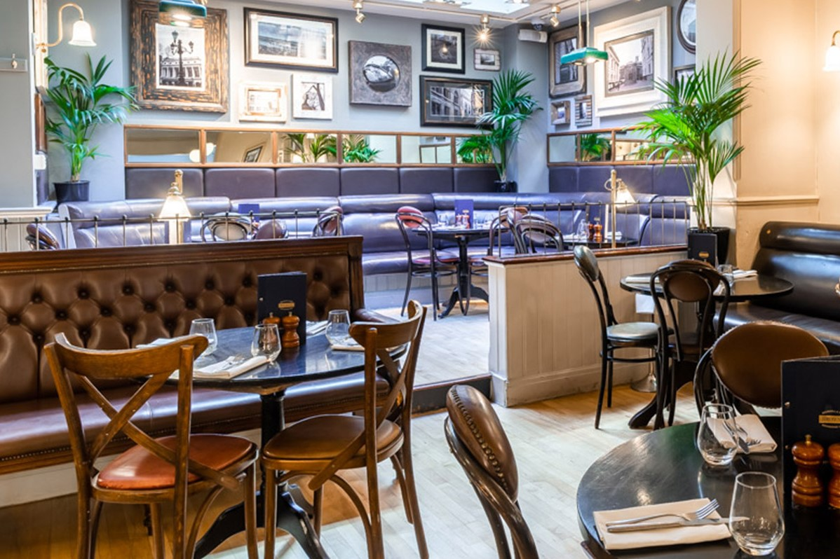 interior-of-browns-restaurant-bottomless-brunch-covent-garden