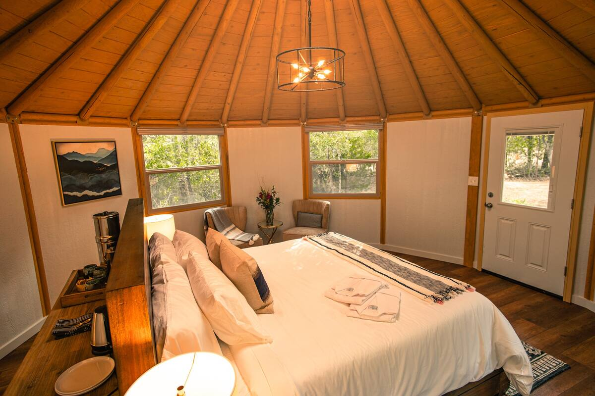 interior-of-the-agave-yurt-at-the-reserve-at-green-leaf