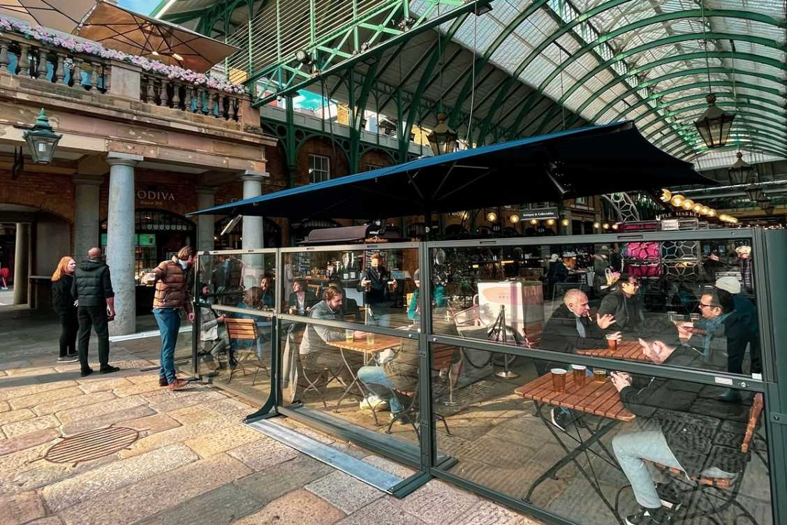 outdoor-dining-at-dirty-martini-bottomless-brunch-covent-garden