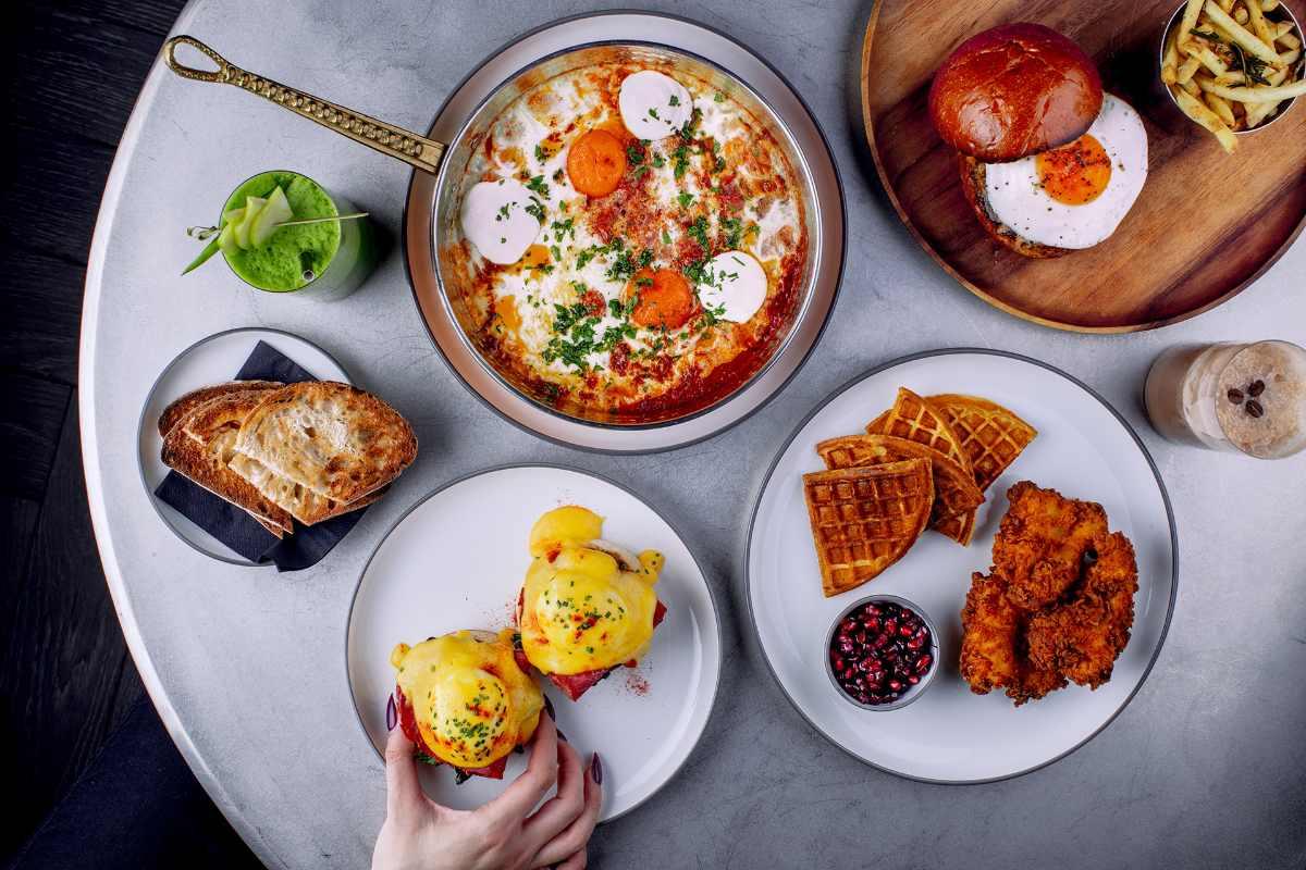 plates-of-brunch-in-barboun-restaurant