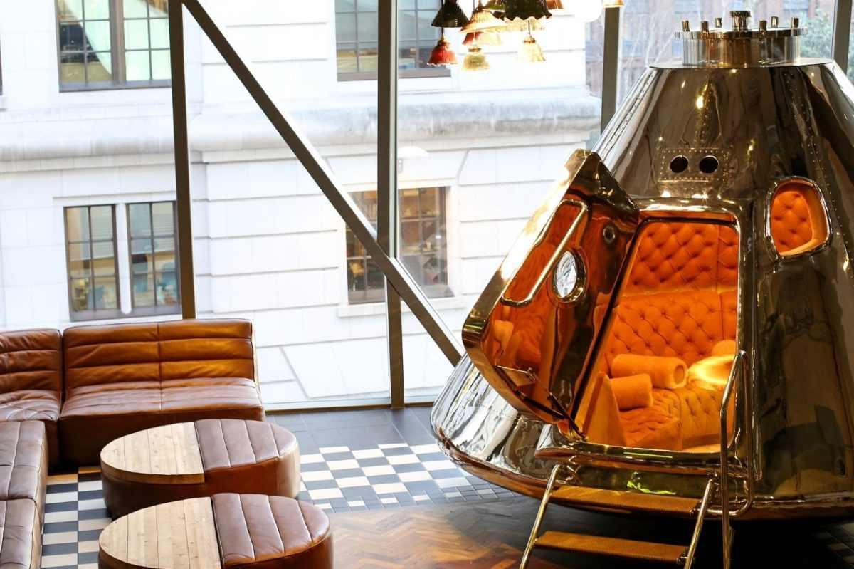 seating-inside-bread-st-kitchen-restaurant