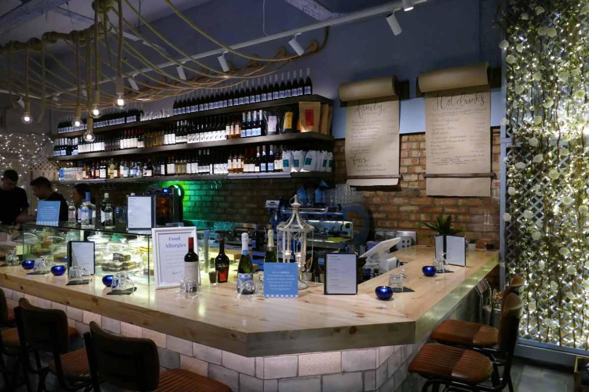 bar-in-megans-on-the-high-street-kensington